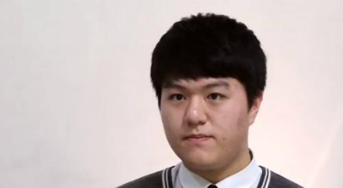 Em Kang Tae-won học sinh Hàn Quốc đến Philippines học tiếng Anh. Ảnh WSL